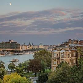 Joan Carroll - Moon Over Budapest