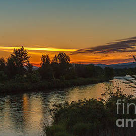 Robert Bales - Morning Color Over The Payette River