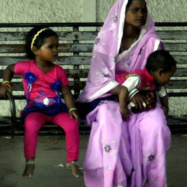 Bliss Of Art - Mother with Kids