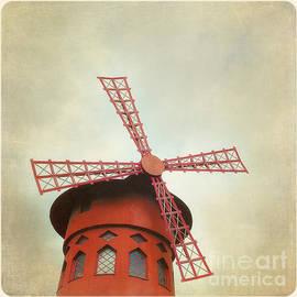 Jane Rix - Moulin Rouge Instagram style