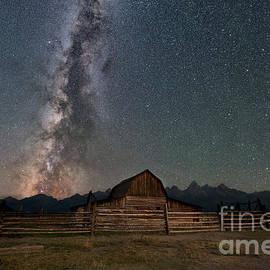 Michael Ver Sprill - Moulton Barn Milky Way