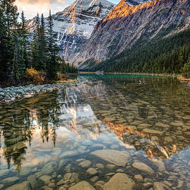 Pierre Leclerc Photography - Mount Edith Cavell Sunrise