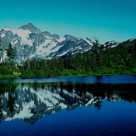 Jeff Swan - Mount Shuksan from Picture Lake
