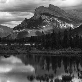 Bob Neiman - Mt Rundle Vermillion Lakes 3376