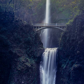 Chuck Jason - Multnomah Falls