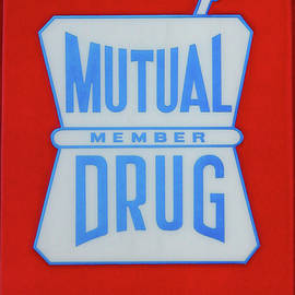Cynthia Guinn - Mutual Drug Sign