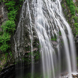 Darlene Smith - Narada Falls