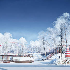 Valdis Veinbergs - Navigation lighthouse on the winter coast 1