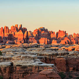 Johnny Adolphson - Needles sunrise panorama
