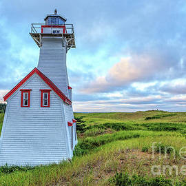 New London Light at Sunset Prince Edward Island - Edward Fielding