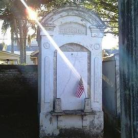 Michael Hoard - New Orleans Lafayette Cemetery No 1 Spirit Rising Paranormal