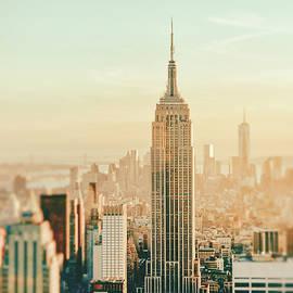 Vivienne Gucwa - New York City - Skyline Dream