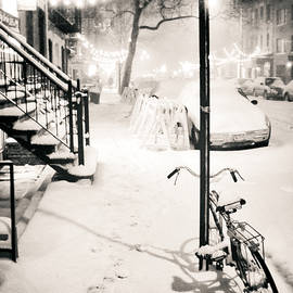 Vivienne Gucwa - New York City - Snow