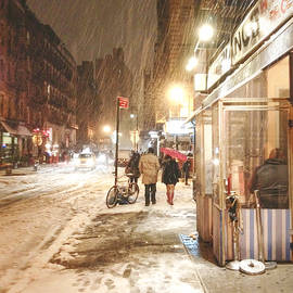 Vivienne Gucwa - New York City - Winter Night - Snow in the City