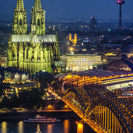 Pablo Lopez - Night Falls Upon Cologne 1