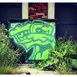 Urban Artworkz - ♤ kemo, Green Vs