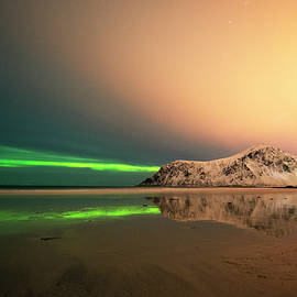 Dubi Roman - Northern light in Lofoten Nordland 5
