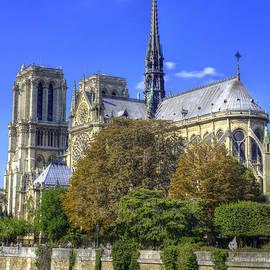 Notre Dame, Paris - Juli Scalzi