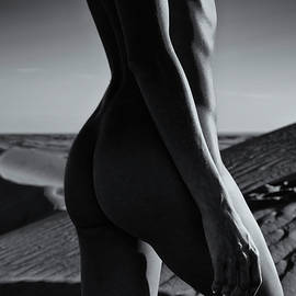 Amyn Nasser - Nude on desert sandy dunes