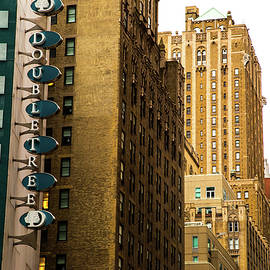 Karol Livote - NYC Scene