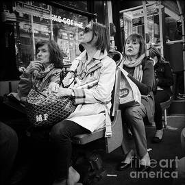 Miriam Danar - Oh Oh - She Saw Me - On the Bus
