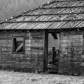 Steve G Bisig - Old Barn, Cowan Heritage Ranch, Washington, 2016