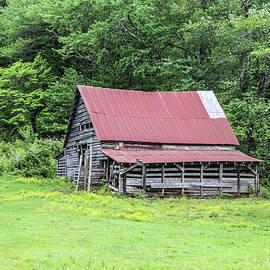 Lorraine Baum - Old Barn