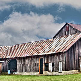 William Sturgell - Old Barn on the Ludlow