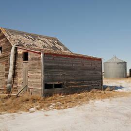 Jeff  Swan - Old barns and a grain bin