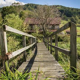 Lisa Lemmons-Powers - Old Bridge to the House