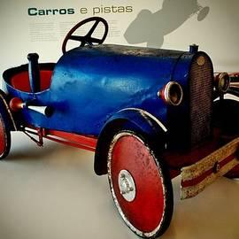 Dora Hathazi Mendes - Old Car Toy 02