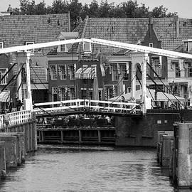 Jolly Van der Velden - Old harbour Enkhuizen