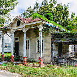 Kathleen K Parker - Old House Donaldsonville LA-historic