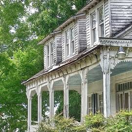 Susan Bordelon - Old House in Moreauville Louisiana