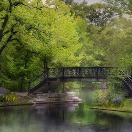 Robin-lee Vieira - Old Iron Bridge