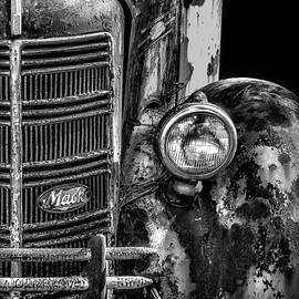Walt Foegelle - Old Mack Truck Front End