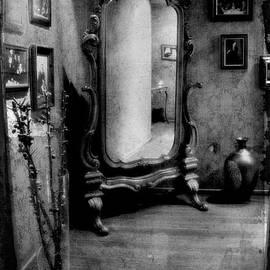 Andrey  Godyaykin - Old mirror