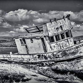 Old Point Reyes Black And White - Garry Gay