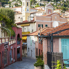 Elena Elisseeva - Old town in Villefranche-sur-Mer