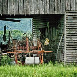 Nikolyn McDonald - Old Tractor - Missouri - Barn