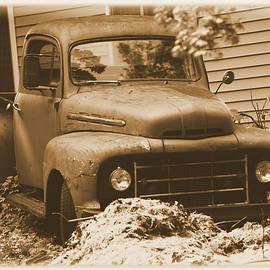 GERALD KLOSS - OLD TRUCK