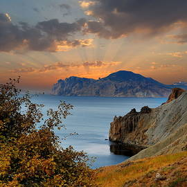 Yuri Hope - On the slopes of the Bay Provato