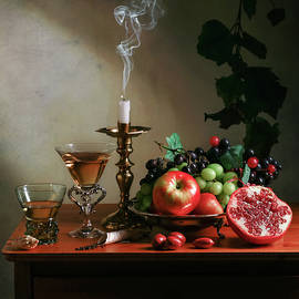 Levin Rodriguez - Ontbijtje with Pommegranate-Candle-Glassware and Fruits