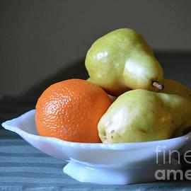Ruth Housley - Orange and Pears