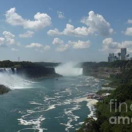 Lingfai Leung - Panorama View of Niagara Falls