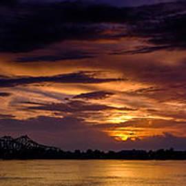 T Lowry Wilson - Panoramic Sunset at Natchez