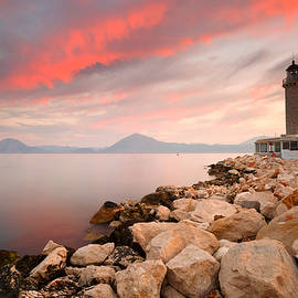 Milan Gonda - patras lighthouse