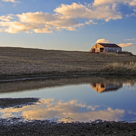 Kevin Anderson - Peaceful Barn Reflection