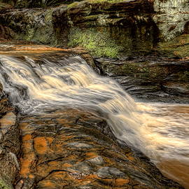 Dale Kauzlaric - Pewits Nest Upper Falls