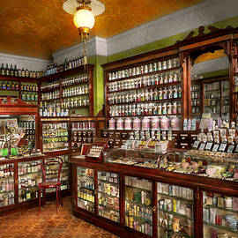 Mike Savad - Pharmacy - The chemist shop of Mr Jones 1907